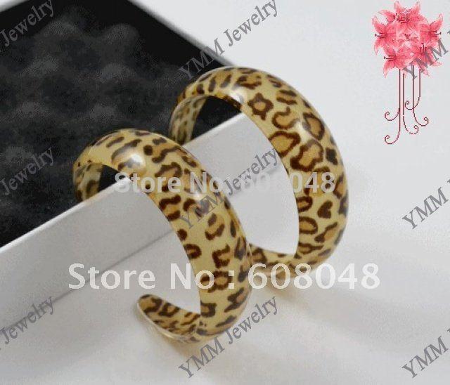 large fashion jewelry