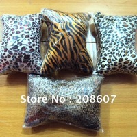 Leopard Hand Cushion Pillow / Nail Art Hand Pillow / Manicure Cushion/ Nail Hand Mat Nail Care DIY Design Tool