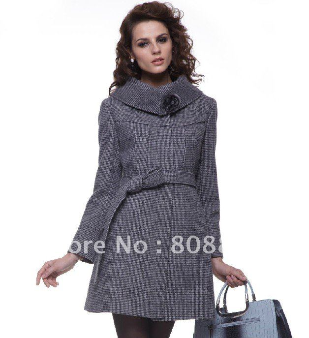 http://i01.i.aliimg.com/wsphoto/v0/502780859/WT028-hot-selling-2011-new-style-High-grade-authentic-woolen-winter-font-b-coat-b-font.jpg