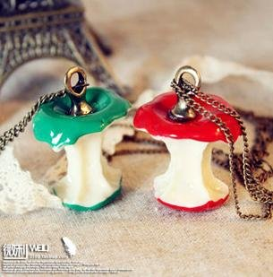 N036 Hot Fashion Vintage Style Green&Red Apple Shape Pendant Fruit Necklace wholesale B charms female(China (Mainland))