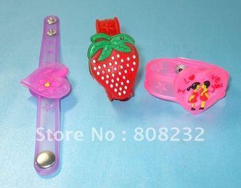 HOT! free shipping 14pcs/lot wholesale Cute rubber wristband LED fashion bracelet flashing bracelet Color Changing mix order