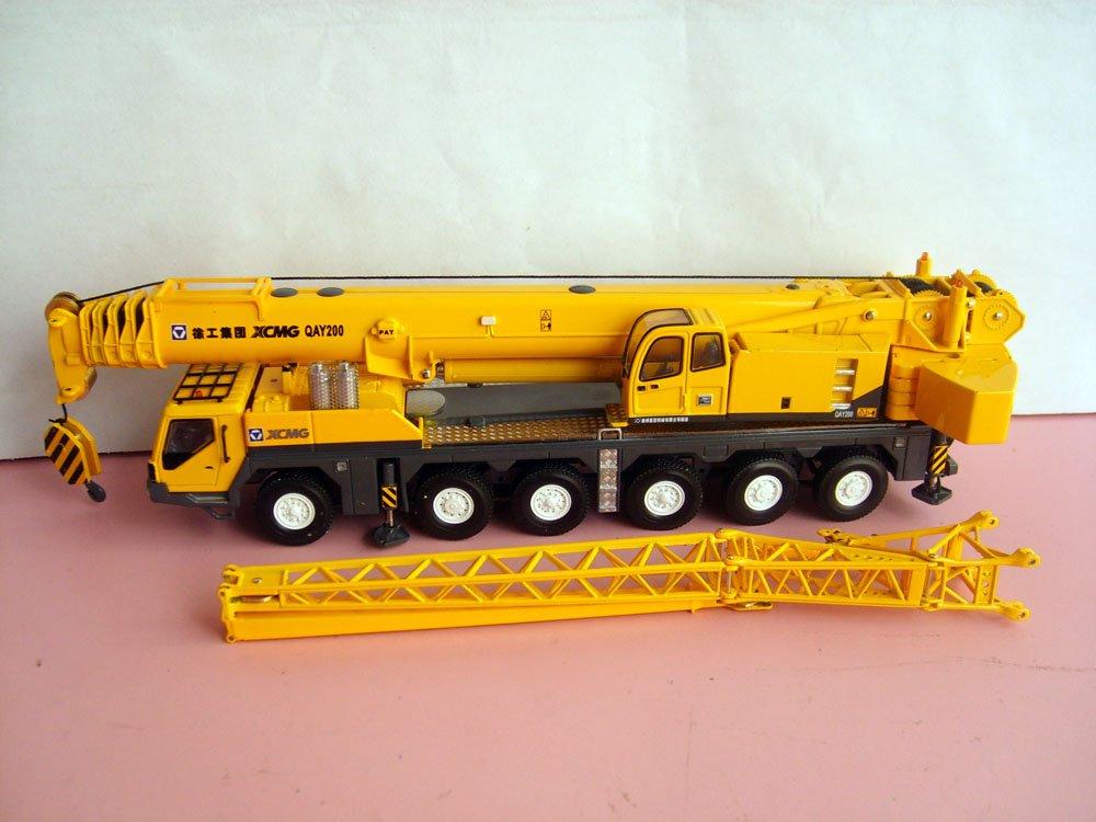1:50 XCMG QAY200 Truck Crane toy(China (Mainland))