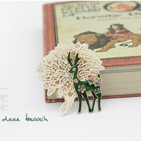 Free shipping Korean style brooches/little deer shape pandent brooches