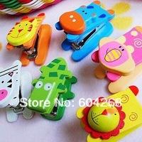 20pcs/lot (Hot Sale) Cute Cartoon Wood Animal Stapler Kawaii Wooden Staplers Wooden Office Mini Staplers