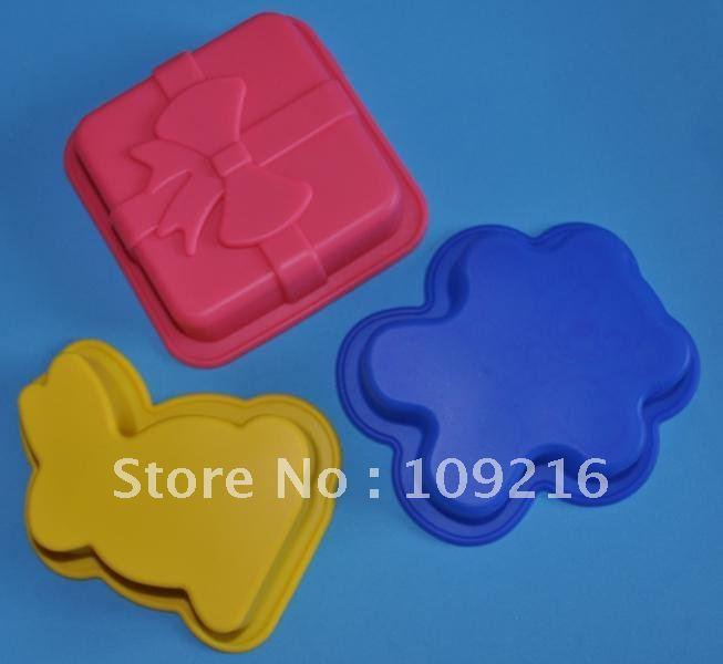 Green Good Quality 100% Food Grade Silicone Cake Mold/Muffin Cupcake Pan 3 pcs/set Bear and Rabbit and Gift Boxes Mixes Mold(China (Mainland))