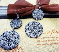 Fashion  carving round plank  lady's alloy earring FE-002