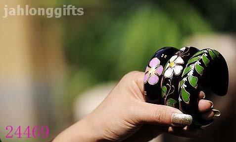 Ethnic Miao Jewelry Hand Painted Mango Wooden Bangle Bracelet Fashion Jewellery 6x2.5cm Mixed Color Free Shipping(China (Mainland))