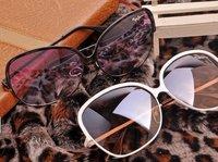 2013 on style sunglasses wholesales Eyewear  lovely popular sunglasses free shipping fashion glasses