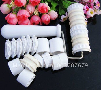 Free shipping Fondant Cake Cookies Biscuit Flour Ribbon Roller Cutter Embosser Decorating Tool