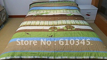 Free Shipping! Target  Hand quilted quilt with appliques! Spring quilt  3pcs Queen size bedding set