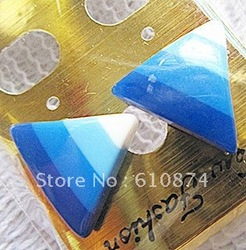 Rainbow traffic blue triangle stud(China (Mainland))