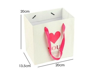 Exquisite gift bag Luxury Paper gift  bags  pretty  gift packaging discount  white gift bags 20*20*13.5cm