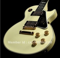 best Musical Instruments Custom Shop '68 Custom VOS, Classic Vintage White electric guitar