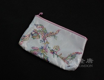 Free shipment/2012 Unique design/Wholesale/Retail/Cosmetic bag/beauty case/wallet/Classical beading bag/Silk/Handcraft/Arts work