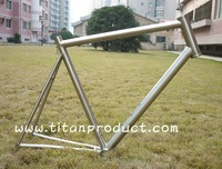 "Titanium Bike Road Frame With 11/2"" Head Tube, Di2 Cable Running, PF BB30 Shell and Replaceable Dropouts"