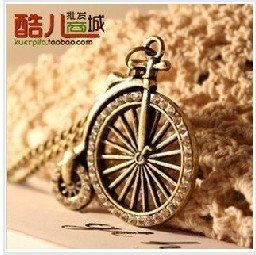 Free Shipping!  Vintage Traditional Bohemian Bike Pendant Necklace