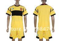 новый Ливерпуль красные дома Джерси игрока #8 Джеррард футбольный клуб задает дизайнер рубашка вышивка бренда спортивная униформа мужчин