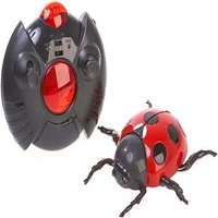 The seven beetles/remote control to climb the wall insects/light stunt to climb the wall car/the features of strong novel toys