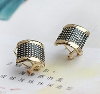 Wholesale (mix order),Min order is $15,Super Fashion Retro Rivet Stereo/Dimensional Ear Buckle Clip Earrings free shipping