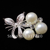 SILVER TONE CREAM PEARL BOW DESIGN BROOCH PIN