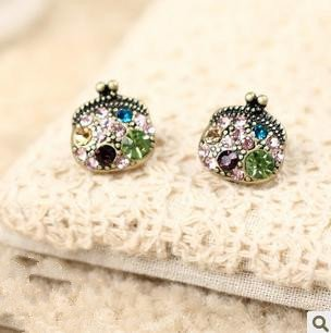 Min.order is $10 (mix order), Street Shoot Jewelry, Antique Purses, Vintage Imitation diamond Small Earrings, Free Shipping