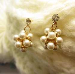 Fashion lady's unique pearl ball Earrings Elegant design jewelry Free shipping Min.order $15 mix order EE23222(China (Mainland))