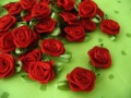 FREE SHIP 200pcs Satin Ribbon R01 Red Rose Flower with Green Leaf Appliques