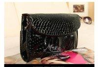 Clutch shoulder bag Messenger bag chain packet  m517