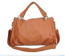 Бесплатная доставка женщин свободного покроя мода заклепки кисточки женщина сумки на ремне D0531