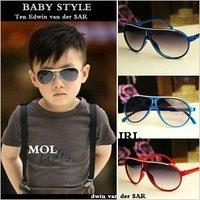 Wholesale Fashion Cute Kids Sunglasses Children's Sun Glasses Anti-uv Baby Sun-shading Eyeglasses Outdoor Cool Sugar Color  S035