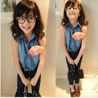 Hot sale Fashion High-grade washed  denim girls  vest with flower,kids sleeveless t shirt/blouse, beautiful