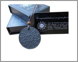 Free shippng SE quantum pendant with energy card and lava pendants Resist radiation(Hong Kong)