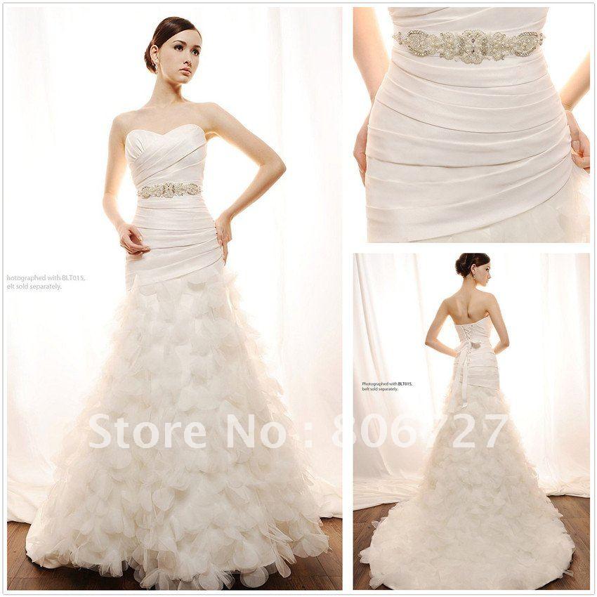 wedding dress with leaf design sweetheart neckline sheath leaves latest wedding gown