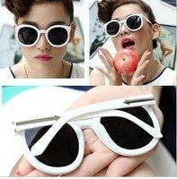 Free shipping (10pcs/lot) summer fashion women and men sunglasses round glasses retro sunglasses
