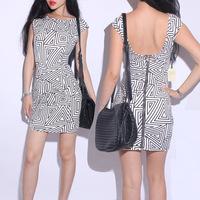 2012 dress Zero profit irregular pattern style falbala black white stripe Dress Miniskirt fashion Triangle pattern Skirt 201728