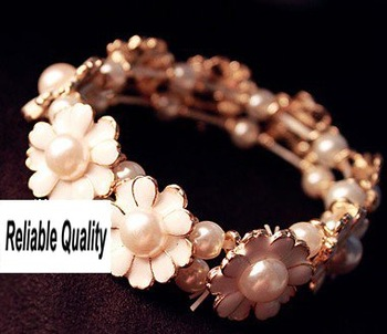 F5107 Gold plated Daisy Flower Pearl Sexy Girl Bracelet, Elastic, Bohemian Vintage lady bangle, woman Jewelry, Free Shipping