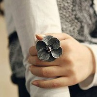 Free Shipping Cascading petals retro elegant and refined alloy fashion Finger Rings    Hot Sale      New arrived