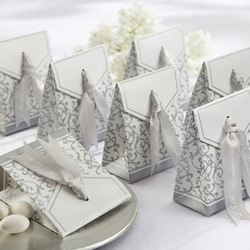 100pcs/lot Gold or Silver Ribbon Wedding Favor Candy Boxes Wedding Party Gift Box(China (Mainland))