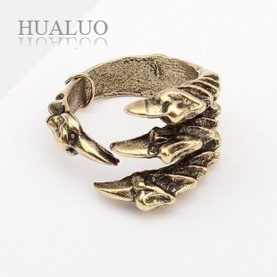 Fashion ring personality bronze DEVIL'S TALONS Claw Ring R34