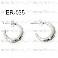 Stainless steel hollow moon earrings for lady best seller Chrismas Edelstahl Mode hohlen Mond Ohrringe Weihnachten Bestseller