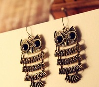 Minimum order $20 (mix order)  Metal Black Eyes' Owl Earrings Antique Rhinestone Earring