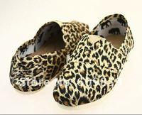 ( 6 pairs)Fashionable canvas shoes leopard grain color recreational shoe super comfortable lazy shoes