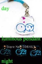 Ship Free! 200pieces Small kiss girl luminous vial pendants Glass&Crystal Vials perfume bottle Clearance #32