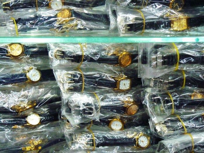 Wholesale Cheap Women Bangle Watches Mental Snake Shaped Bracelet