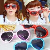 Hot Sale Party Sunglasses Love Heart Sunglasses Heart Shape SunGlasses Wholesale &Retail 10pcs/lot Joker More Clothings Occtions