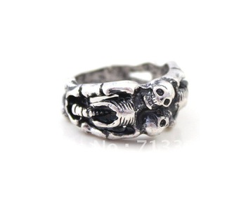 FREE SHIPPING    Skull Head Finger Skeleton Ring Silver Plated Min.order is US $15 (mix order)
