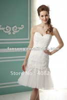 Modesty sweetheart neckline appliqued knee length short bridal dress