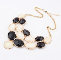 Free Shipping!European and American fashion exaggerated trend hot stones Necklace (black and white)!#321(China (Mainland))