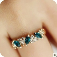 Min.order is $5 (mix order) Free Shipping Green Beautiful Vintage Sweet Ring Fashion Jewelry (OD0260)