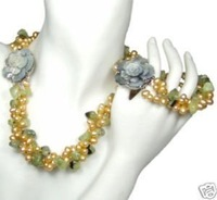 New Fashion Hot Beautiful Woman&#39;s Pearl Jewelery Set Natural pearl and green garnet necklace&amp;bracelet Sets free shipping